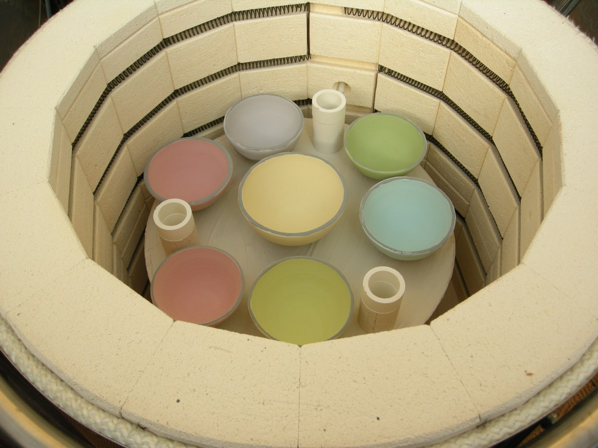 le four de l'atelier de cours de poterie élémenTerres